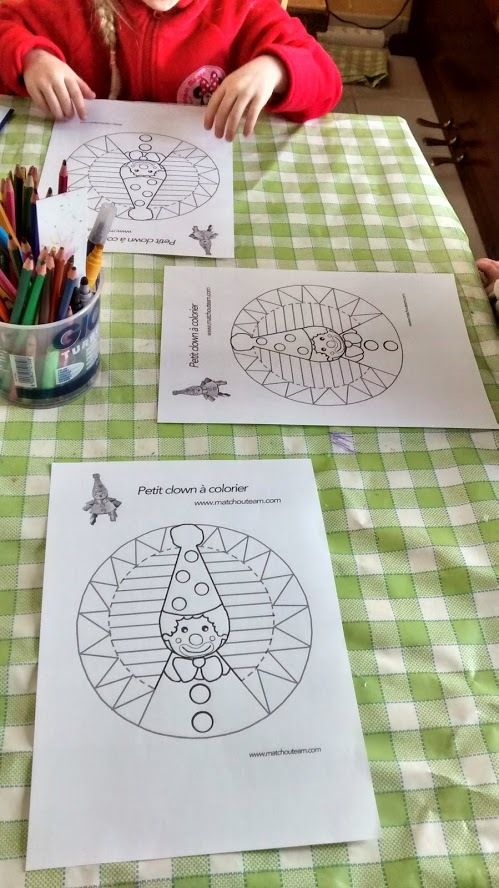 coloriage de clown carnaval mandala