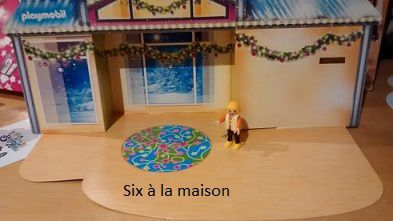Calendrier de l'avent playmobil Noël 2015 salon décoré