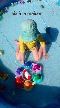 Avec le soleil, on joue dans la piscine et les dauphins &#x3B;)