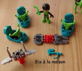 Kinder Infinimix collection Africa personnages et véhicules boite bleue