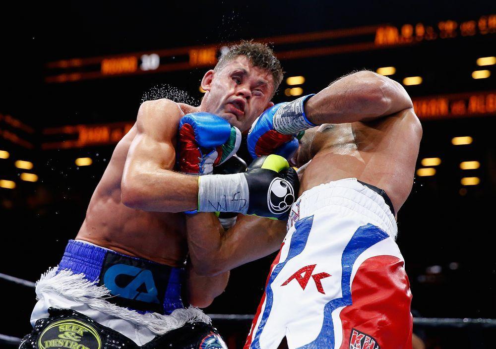 Voici donc une liste de meilleures photos de combats de boxe prise au bon moment !