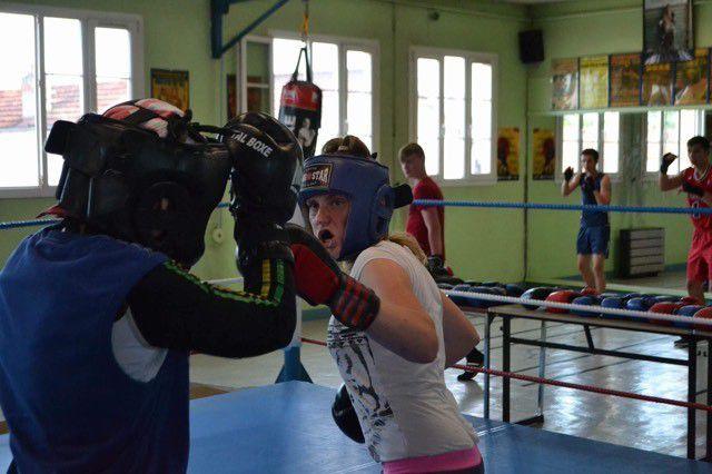 (les photos) : Séance de sparring, pour la Championne du monde Anne Sophie DA COSTA avec les pensionnaires du CPSD
