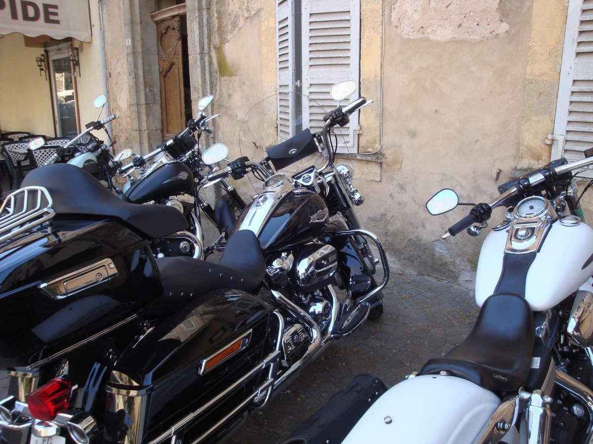 Entrecasteaux et Cotignac en Harley Davidson