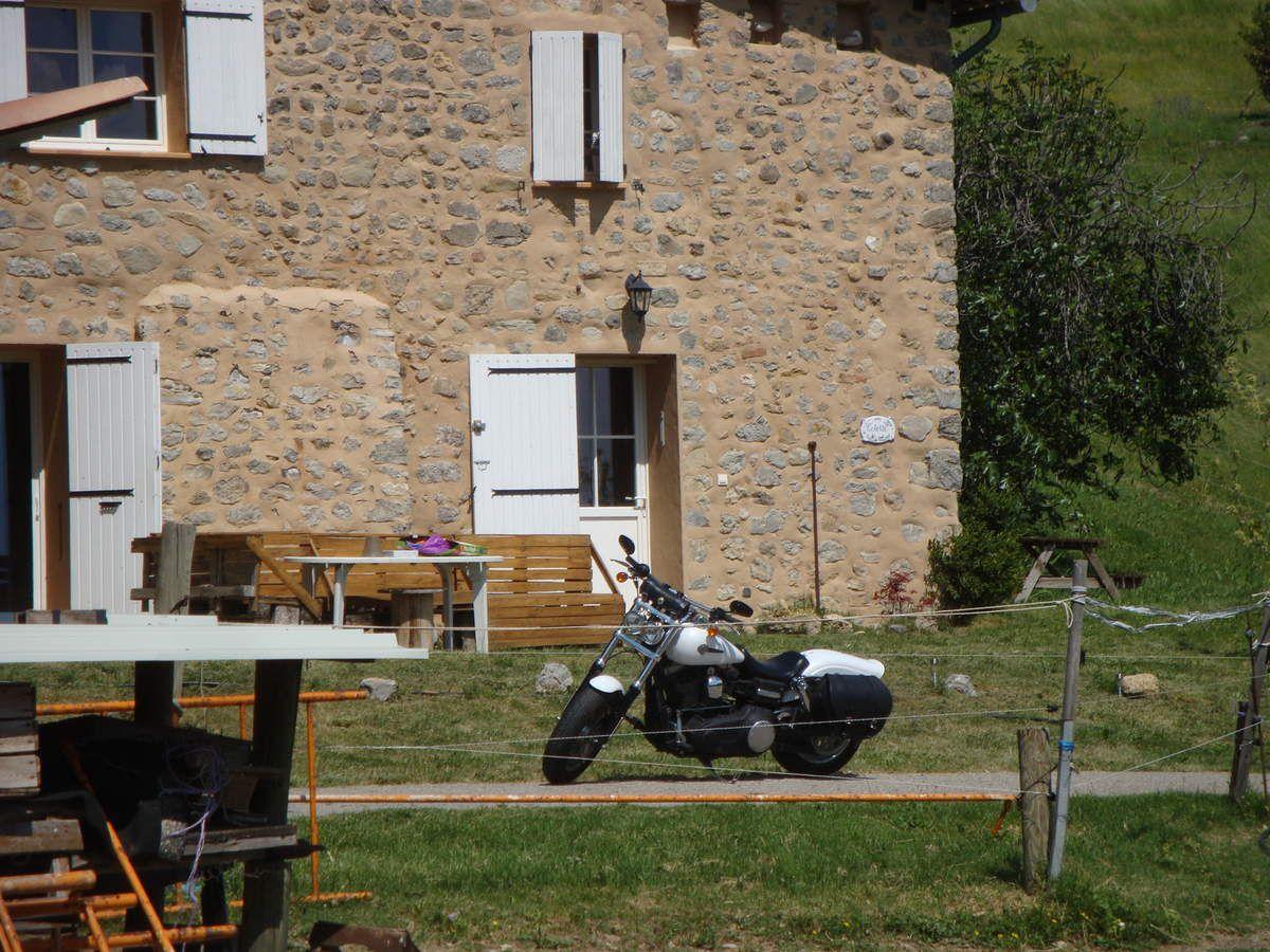7 motos pour un hommage à Monique ( St Estève )