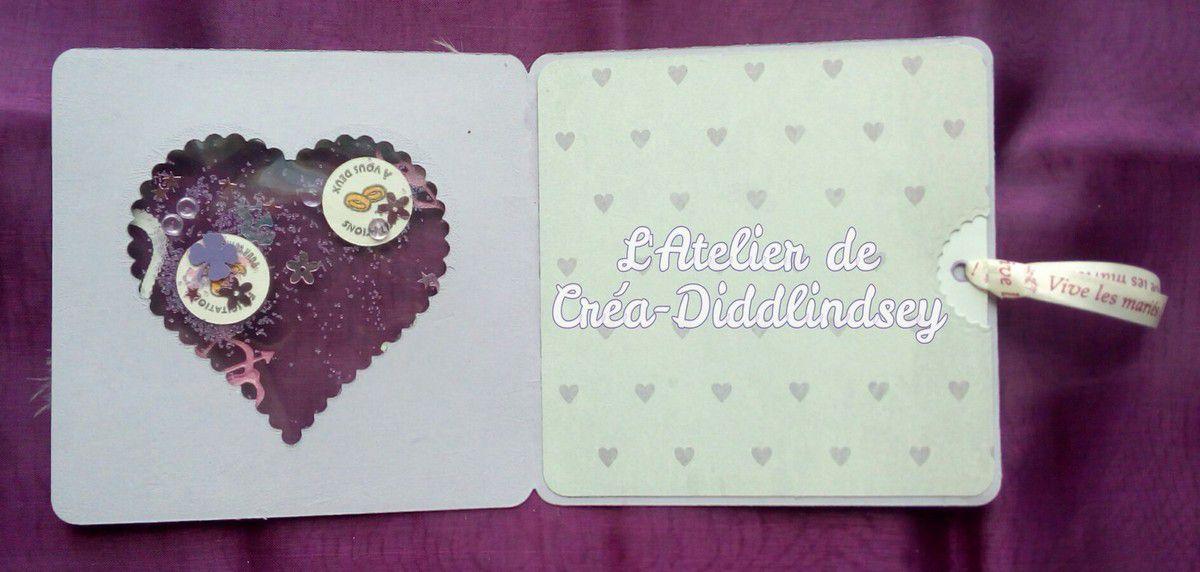 Voici l'intérieur de ma shaker carte avec comme toujours la petite pochette dans laquelle  on glisse le petit mot pour les mariés !