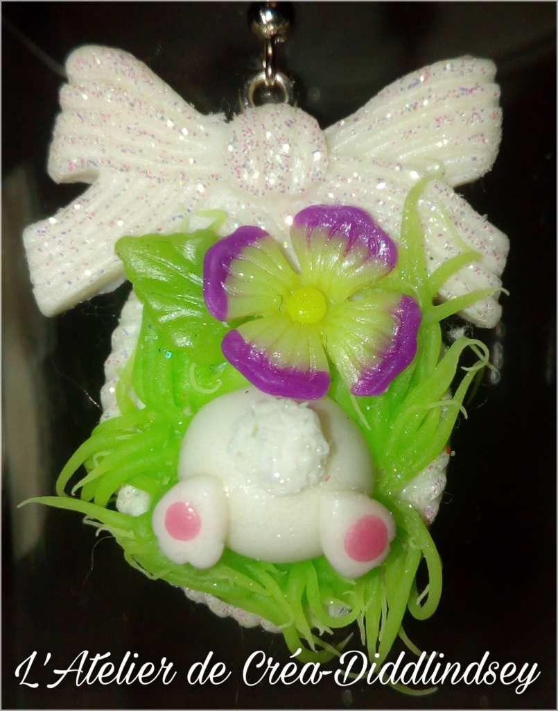 Le dessous est réalisé avec un moule moule et en silicone, la fleur est réalisée avec ma technique  utilisant les kits floral punch Nellie Snellen