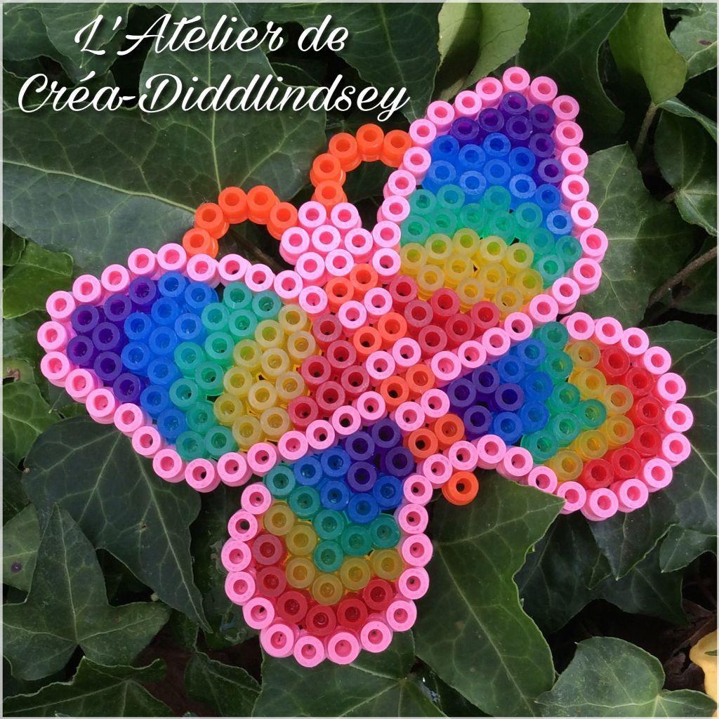 Un joli petit papillon en perle Hama midi