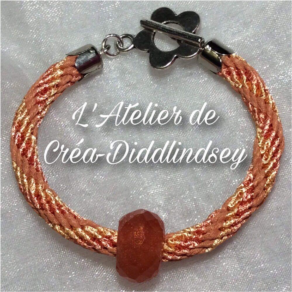 Kumihimo,  un bracelet dans les tons orange 12fils
