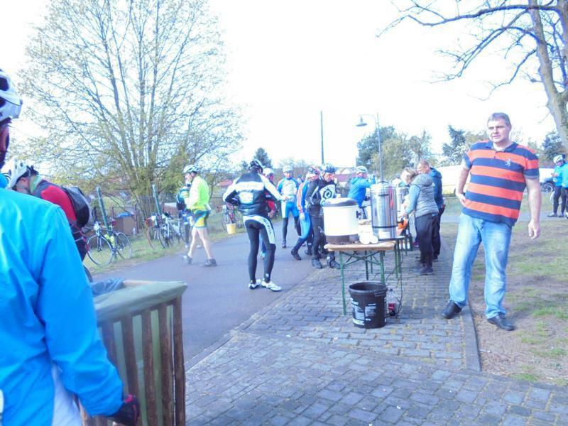 200 Km &quot&#x3B;Spreewaldradmarathon&quot&#x3B; und 21 Km Paddeltour