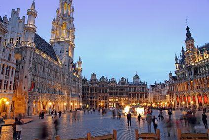 الشبكة البلجيكية لدعم الجيا خلال سنوات التسعينات/كسال البلجيكية كانت ملجاء لعميل المخابرات الفرنسية فريد ملوك احد رؤس الجيا