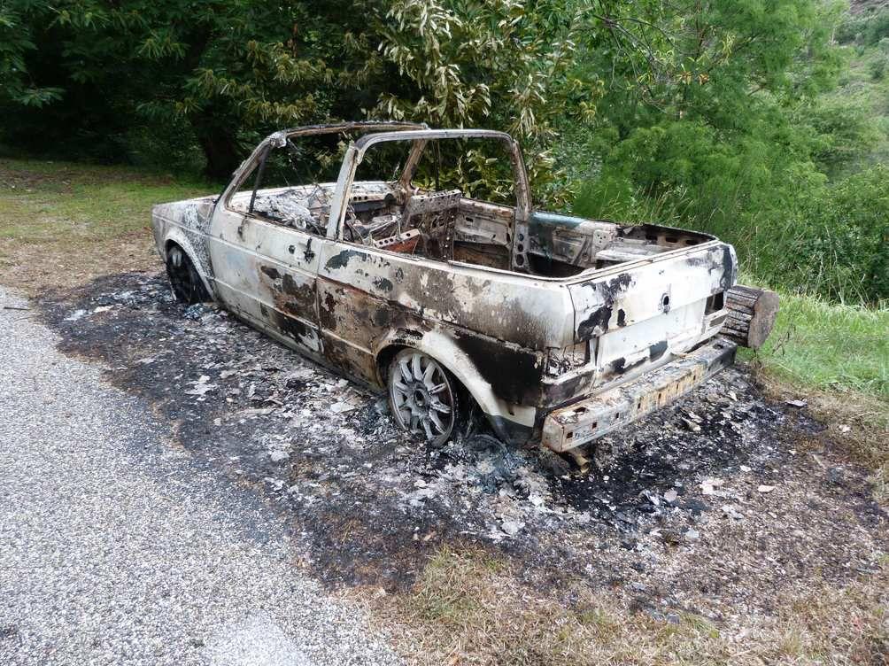 """Incendie de la voiture d'un des principaux soutiens de la liste citoyenne et lanceur d'alerte sur le """"laissez faire"""" de la commune concernant la pollution environnementale"""