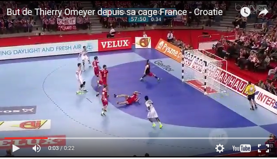 Handball: but de Thierry Omeyer depuis sa cage lors de France-Croatie