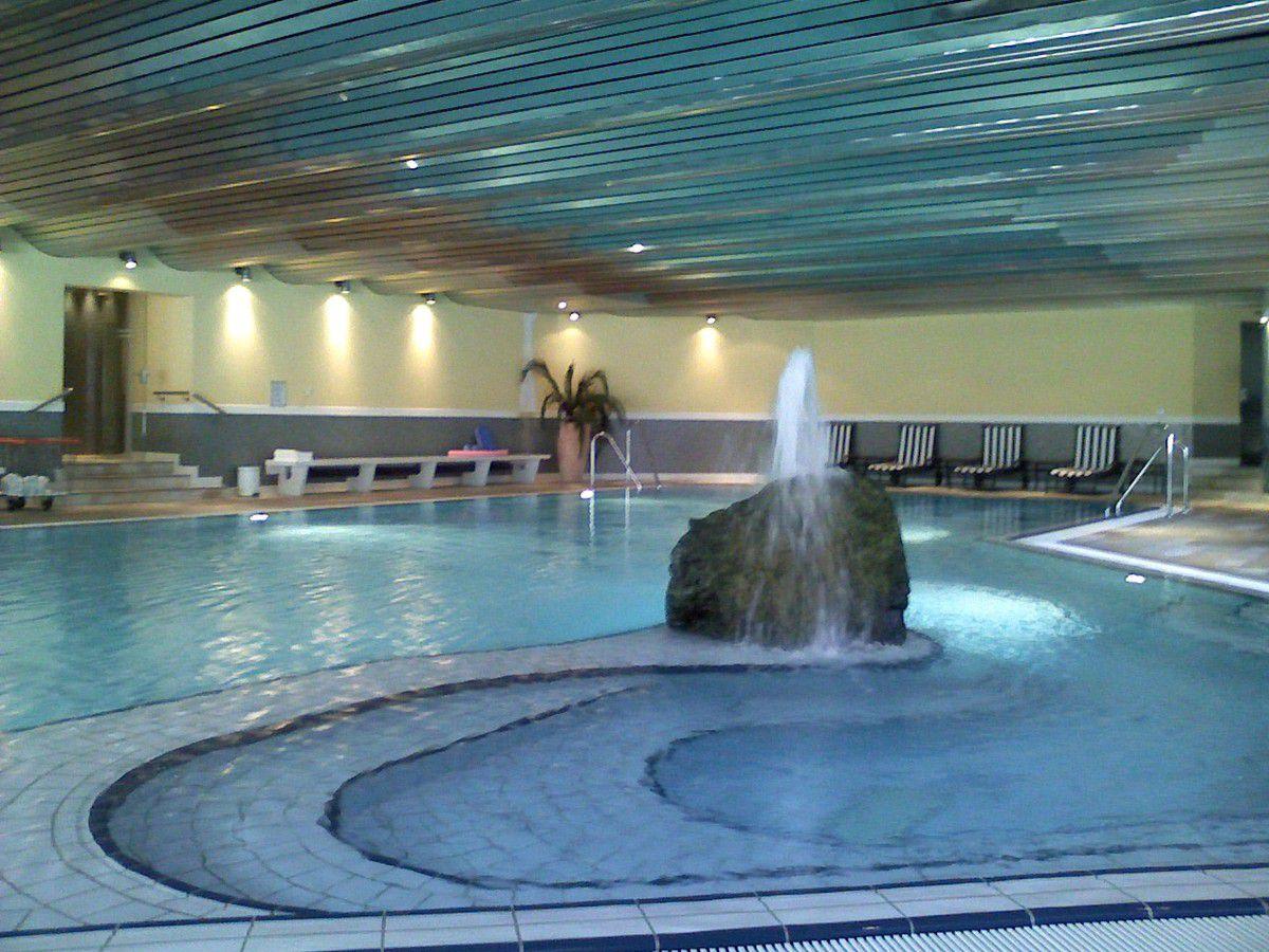 Humour Projet : Une piscine couverte pas chère