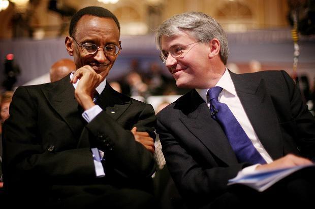 Prezida Kagame n'uwigeze kuba ministre mu Bwongereza Bwana Andrew Mitchell bafitanye ilihe banga ?
