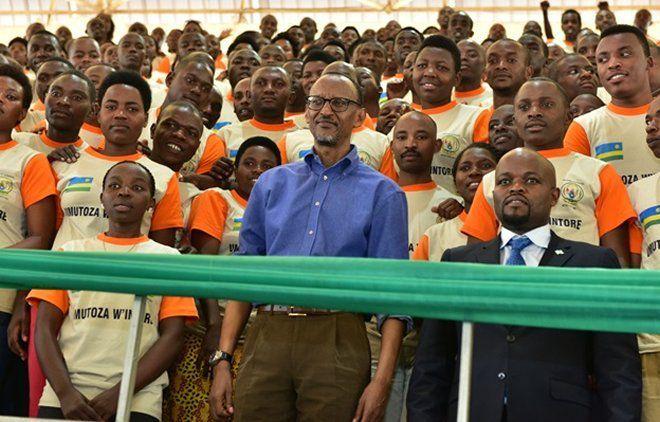 """Photo : Paul Kagame, président """"normal"""""""