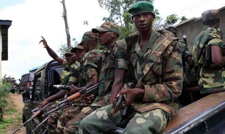 TSHISEKEDI : « DÉBOULONNER LE SYSTÈME DICTATORIAL ». FCC : « DES PROPOS MILiTANTS QUI MENACERAIENT NOS BASES DÉMOCRATIQUES ». OÙ EST LE PROBLÈME ? Ob_eeaba8_militaires-rwandais-en-rdc