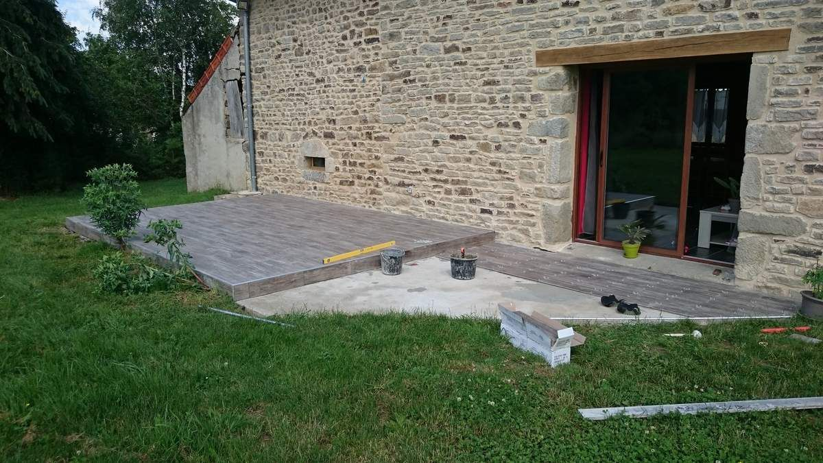 Renovation d 39 une fermette en bourgogne r novation d 39 une for Nettoyer terrasse carrelage