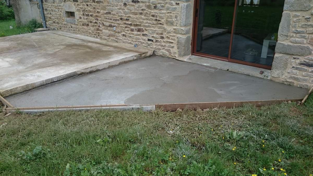 Agrandissement et carrelage terrasse renovation d 39 une for Grand carrelage exterieur