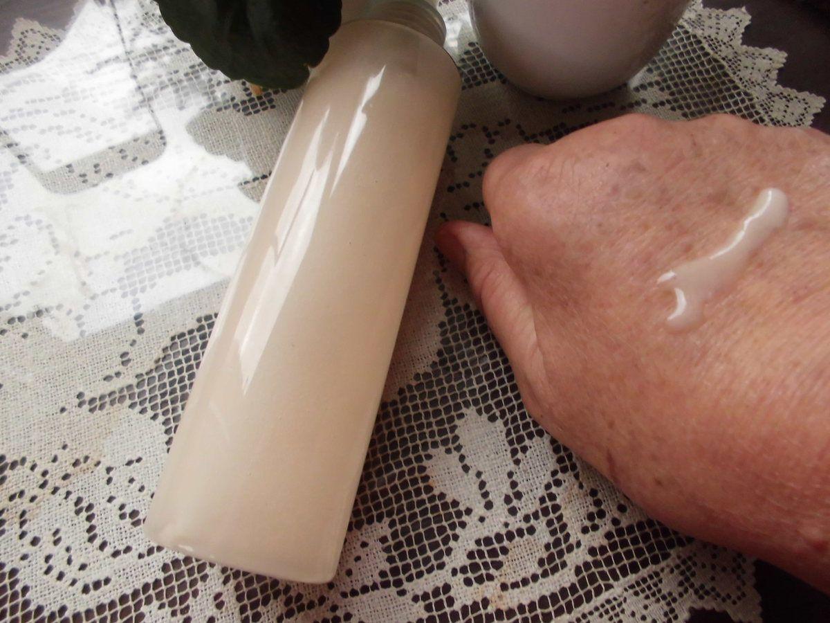 Spray Corps hydratant rafraichissant à la rose et à la menthe