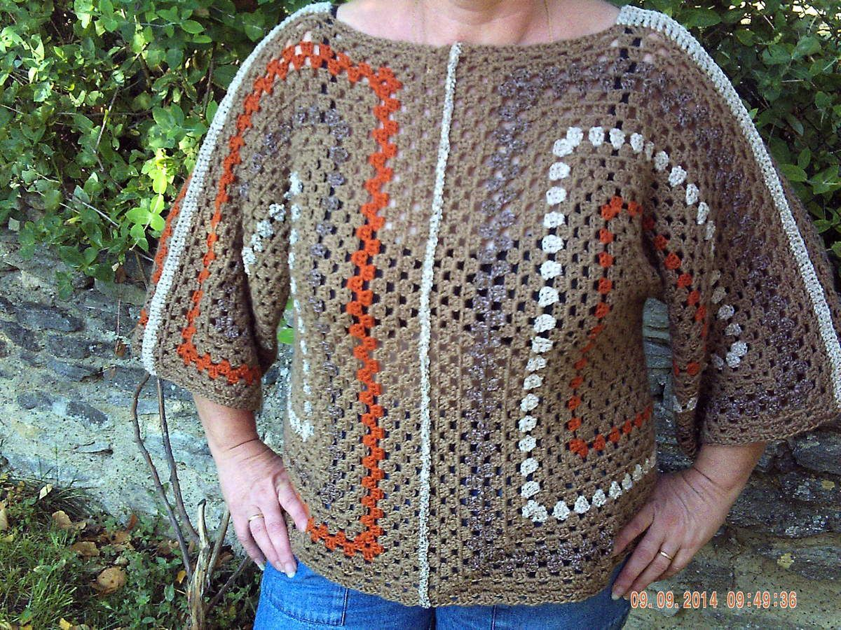PULL FEMME TRICOTE MAIN....