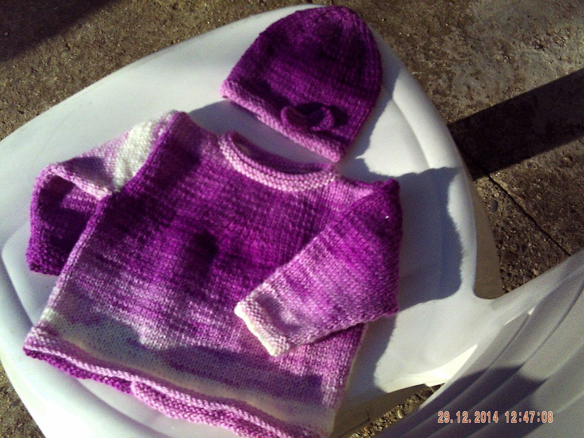 ENSEMBLE LAYETTE AU TRICOT...