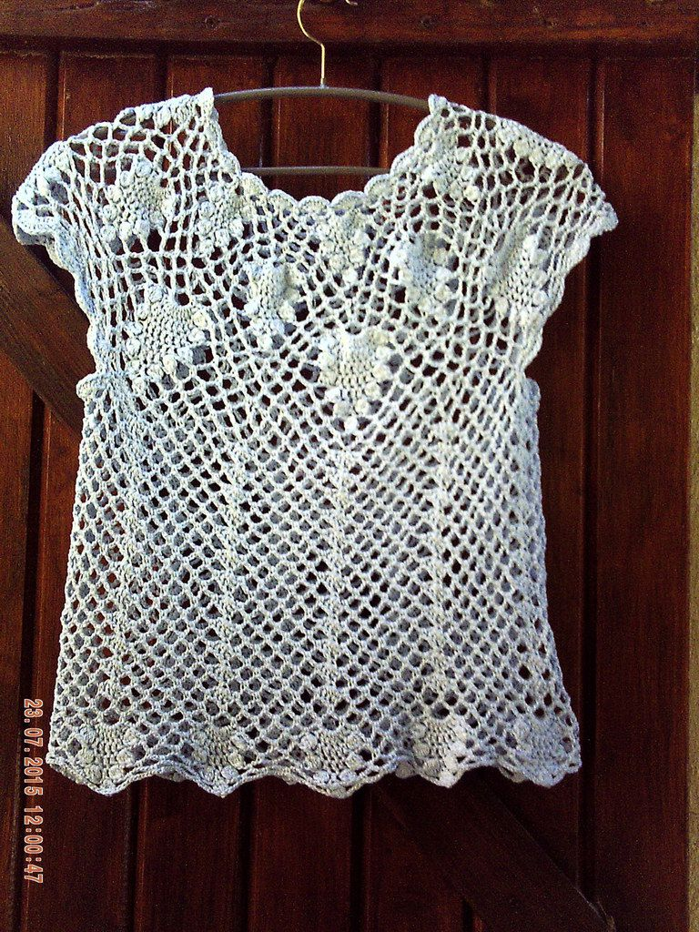 TOP AU CROCHET FAIT MAIN