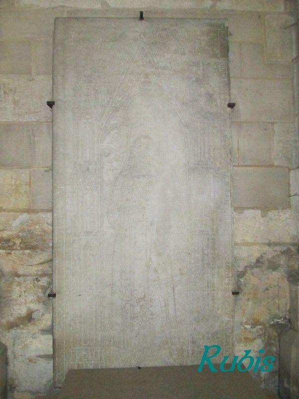 Gisants, dalles funéraires et tombeaux de l'Aube (10)
