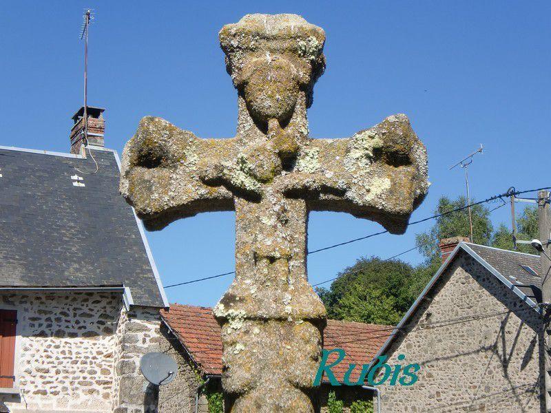 Croix de Creuse (23)