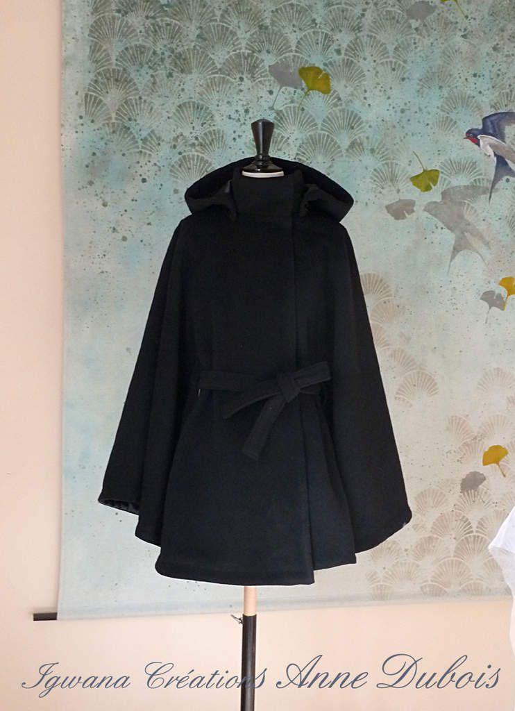 Cape modèle 2 à ceinture en laine noire