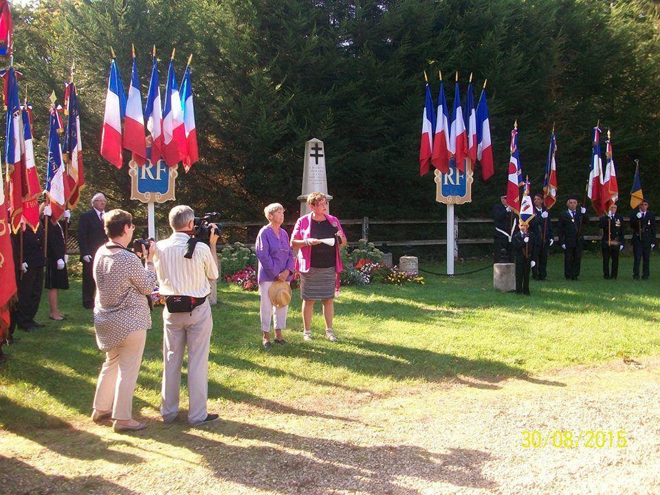 Appel aux Morts prononcé par deux membres de l'ADIF de l'Oise, Marie-Agnès Rousselet et Christiane Louis