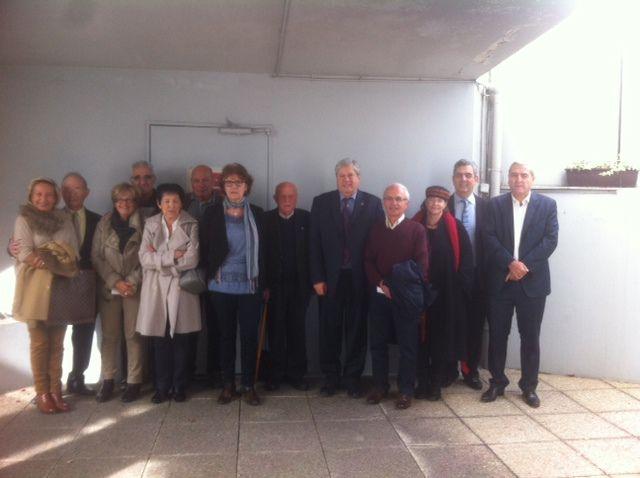 Martine Boisson, nouvelle présidente de l'ADIF-FNDIR de la Gironde (écharpe bleu)