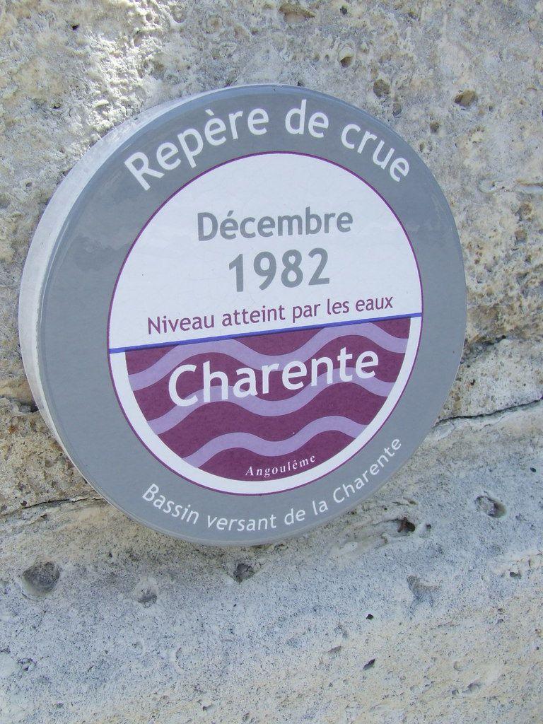 Indicateur du niveau atteint par les eaux de la Charente en 1982