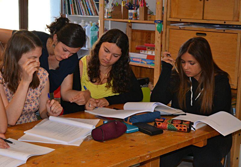 Daphné (ingénieure de recherche à Paris 6) avec Marion, Camille et Hanna