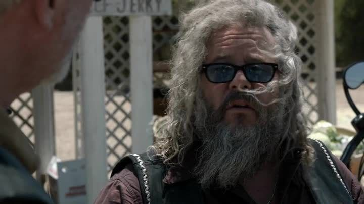 Critiques Séries : Sons of Anarchy. Saison 7. Episode 2. Toil and Till.