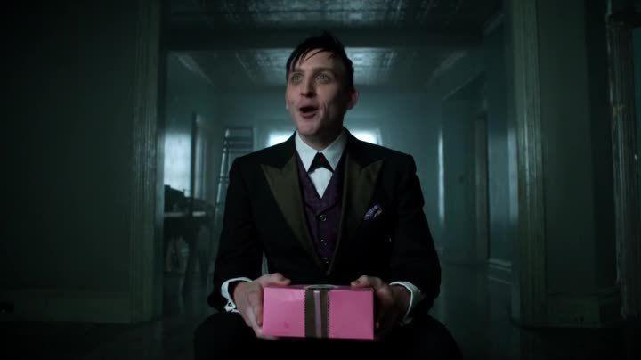 Critiques Séries : Gotham. Saison 1. Episode 4. Arkham.