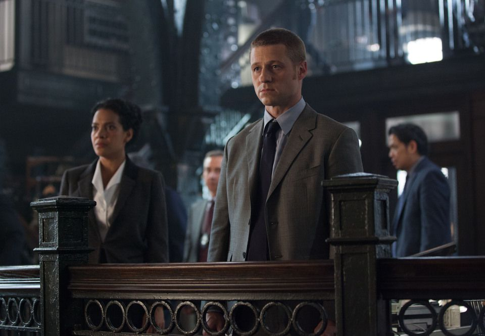 Critiques Séries : Gotham. Saison 1. Episode 7. Penguin's Umbrella.