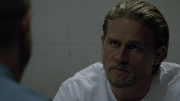 Critiques Séries : Sons of Anarchy. Saison 7. Episode 11. Suits of Woe.