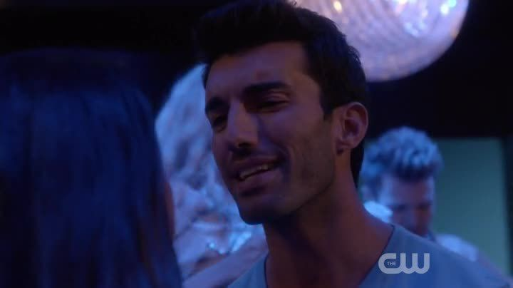 Critiques Séries : Jane the Virgin. Saison 1. Episode 7. Chapter Seven.