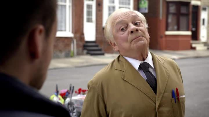 Critiques Séries : Still Open All Hours. Saison 1. Pilot (UK).