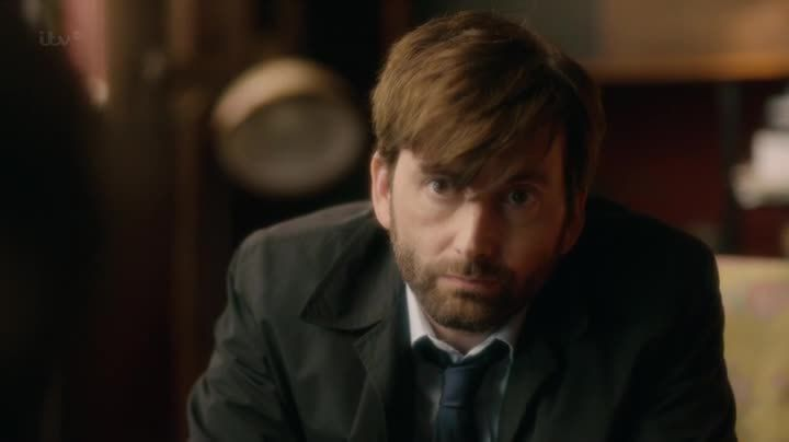 Critiques Séries : Broadchurch. Saison 2. Episode 2.