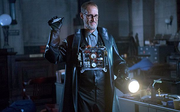 Critiques Séries : Gotham. Saison 1. Episode 12. What the Little Bird...