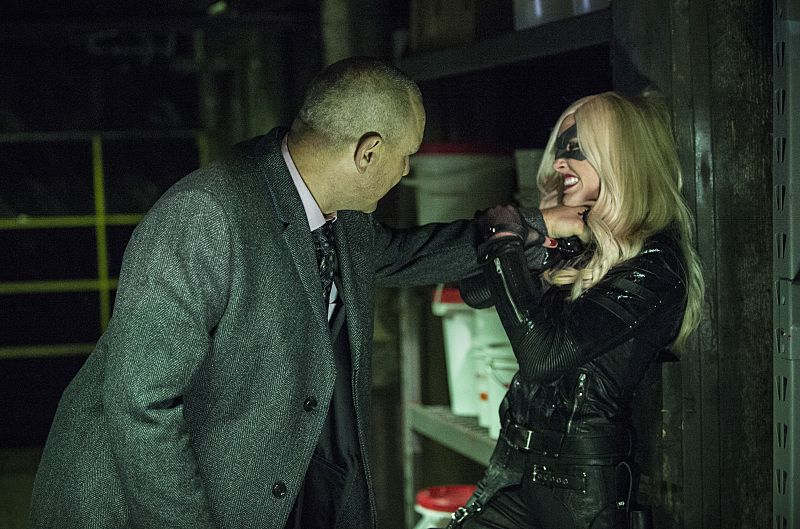 Critiques Séries : Arrow. Saison 3. Episode 11. Midnight City.