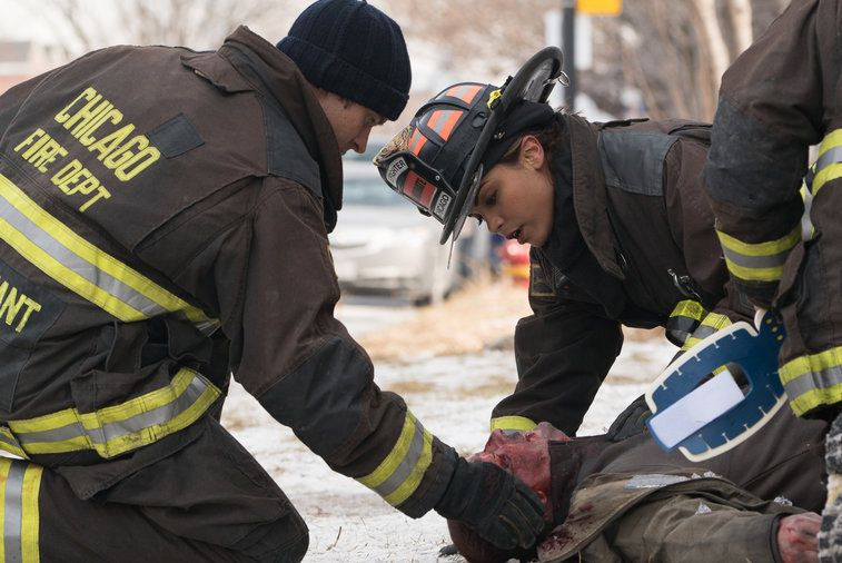 Critiques Séries : Chicago Fire. Saison 3. Episode 16. Red Rag the Bull.