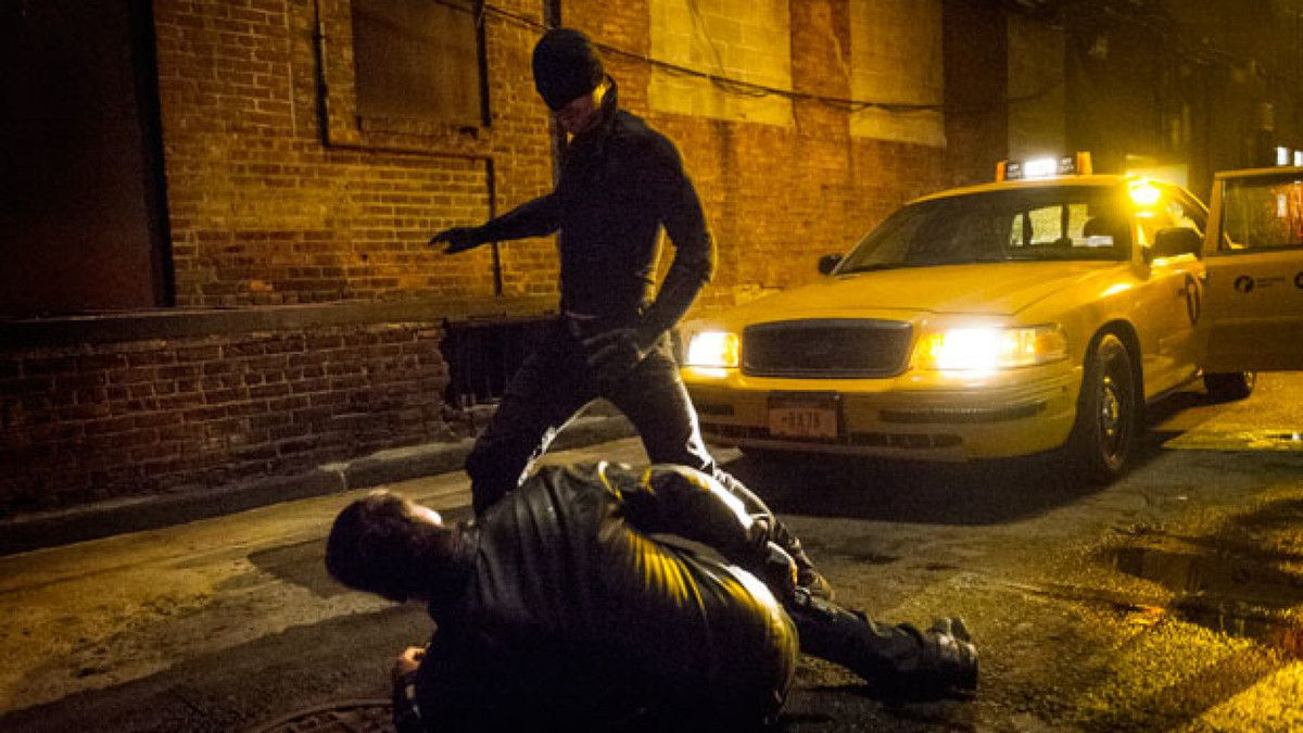 Critiques Séries : Marvel's Daredevil. Saison 1. Episode 5. World on Fire.