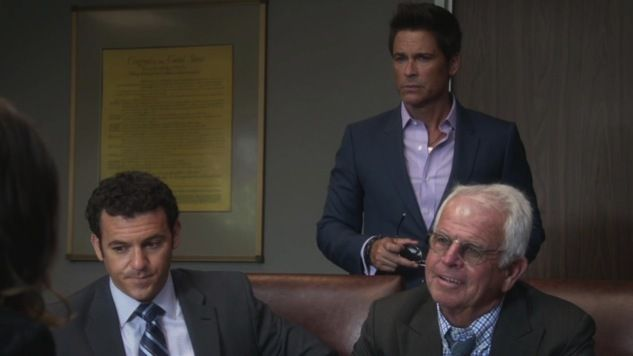 Critiques Séries : The Grinder. Saison 1. Episode 2. A Hero Has Fallen.