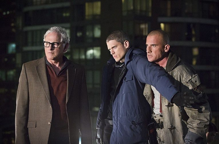 Critiques Séries : DC's Legends of Tomorrow. Saison 1. Pilot.