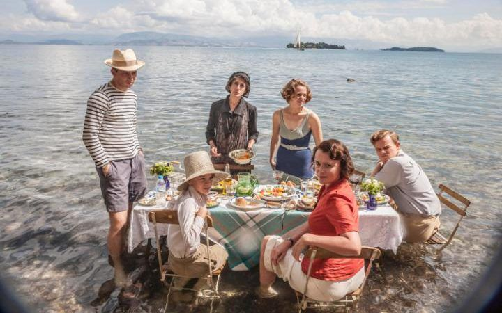 Critiques Séries : The Durrells. Saison 1. Pilot (UK).