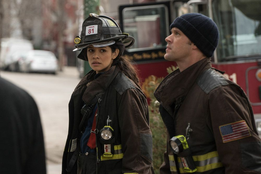 Critiques Séries : Chicago Med. Saison 1. Episode 14, Chicago Fire. Saison 4. Episode 19