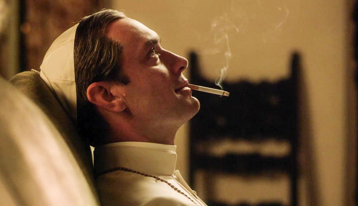Critiques Séries : The Young Pope. Saison 1. Pilot (France/UK).