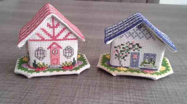 Mon mini cottage rouge terminé !